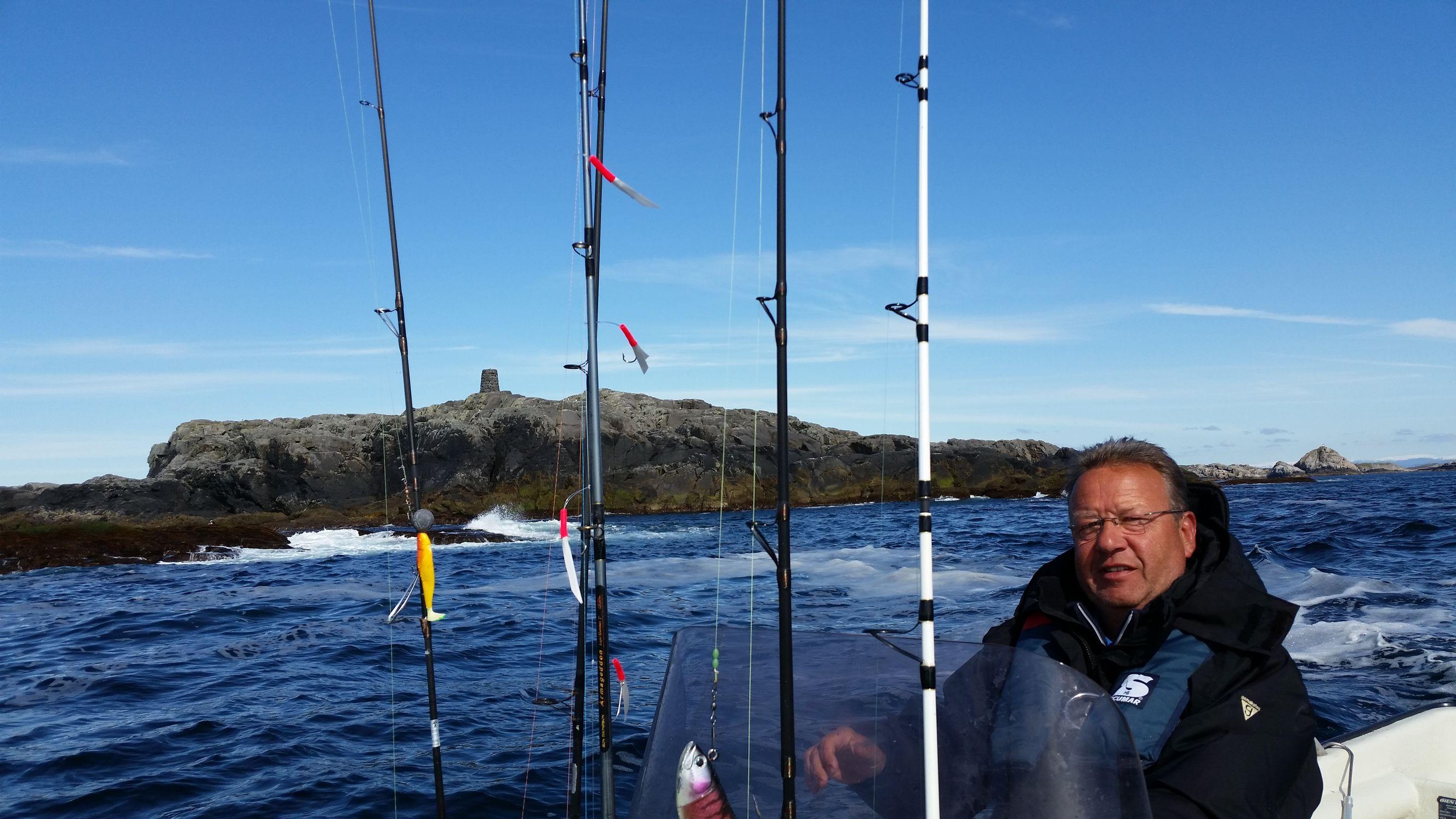 ... und wieder an der Turminsel vorbei, auf's offene Meer