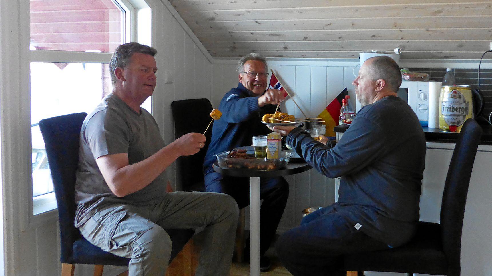 Das letzte gemütliche Abendessen in Hellesøy